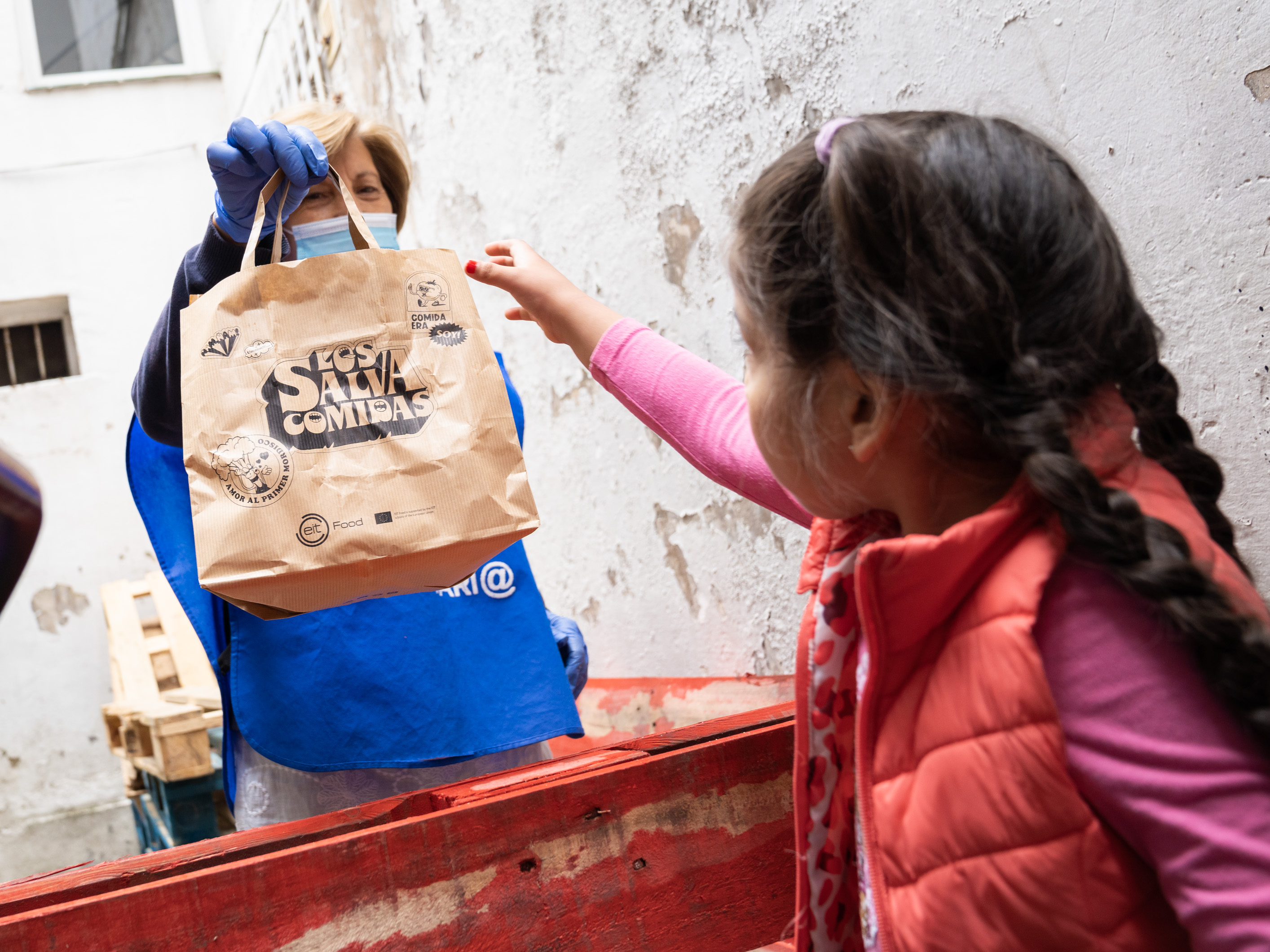 The 'Los Salvacomidas' initiative ends tomorrow after delivering 60,000 healthy children's meals and recovering 3,000 kilograms of food