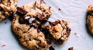 SureChoc: Sugar reduced chocolate and chocolate chip cookies to meet consumer sensory, naturalness and cost expectation